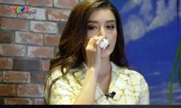 Á hậu Huyền My bất ngờ bật khóc trên sóng truyền hình