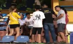 Sau ồn ào, Quang Hải ra sân có vệ sĩ bảo vệ như sao hạng A