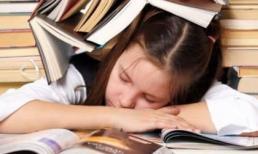 Kỳ thi Đại học đến gần, cha mẹ làm gì để con không bị suy giảm trí nhớ, mệt mỏi và mất ngủ...