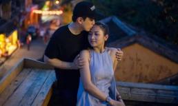 Vợ chồng Lam Trường 'tình bể bình' trong chuyến du lịch Hội An