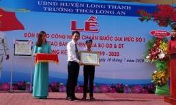 Cậu học trò nghèo khơi cống dưới trời mưa được Bộ GD-ĐT tặng bằng khen