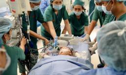 Gần 100 y bác sĩ tách rời hoàn toàn 2 bé song sinh dính liền