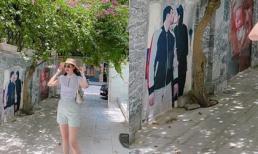 Á hậu Thanh Tú trang trí cổng nhà bằng ảnh cả chồng lẫn con