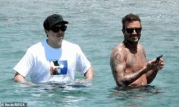 Brooklyn lộ diện ở Hy Lạp sau nghi vấn đám cưới bí mật nhưng body gợi cảm của David Beckham mới là tâm điểm