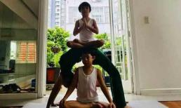 Ở tuổi 63, mẹ Hà Hồ cùng các cháu thực hiện động tác yoga nhìn mà choáng