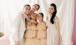 Nhạc sĩ Hồ Hoài Anh cực ngầu bên vợ và hai con gái