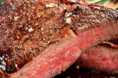 Khi ăn bít tết ở một nhà hàng phương Tây, chất lỏng màu đỏ chảy ra từ bít tết là gì? Hầu hết mọi người đều nghĩ sai