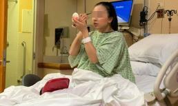 Vỡ ối phải nhập viện khẩn cấp, bà bầu vẫn đủ bình tĩnh lôi dụng cụ ra làm đẹp ngay trên bàn đẻ