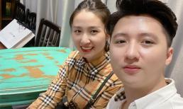 Hậu ly hôn Âu Hà My, Trọng Hưng mặc áo đôi với 'gái lạ', được fan khen 'tâm sinh tướng'