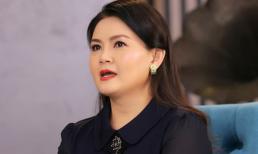 Vợ thứ 3 kém 11 tuổi tiết lộ mối quan hệ với 2 người vợ trước của Kim Tử Long
