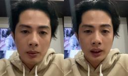 Huỳnh Phương phải livestream làm rõ khi đoàn cứu trợ của anh bị trách mắng vì ném quà cho người dân miền Trung