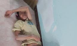Khoảnh khắc con gái chụp lén giấc ngủ trưa của người ba không chung máu mủ chạm đến trái tim hàng vạn người