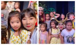 Con gái Mai Phương xinh xắn đi xem kịch, thốt lên một câu về mẹ khiến ai cũng rơi nước mắt