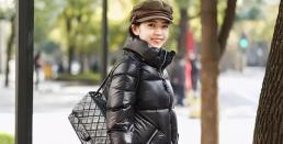 Làm thế nào để mặc áo khoác phao đen nổi bật hơn? Học bologer với những kiểu 'lót trong' ấm áp và thời trang