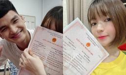 Mạc Văn Khoa cùng vợ Thảo Vy bầu 8 tháng đi đăng kí giấy kết hôn sau 5 năm yêu nhau