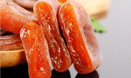 Sương muối trên quả hồng khô là gì? Rửa sạch có ăn được không? Nhiều người đang hiểu sai