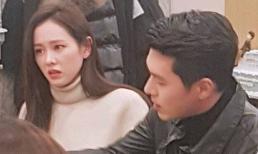 Sau thời gian giấu kín chuyện tình cảm, Son Ye Jin và Hyun Bin chính thức công khai hẹn hò, còn ngồi cạnh nhau cực tình tứ?