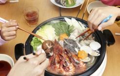 """Trong vòng 1 giờ sau khi ăn tối là thời điểm """"tốt nhất"""" để giữ gìn sức khỏe, người lớn tuổi không nên vội vàng làm 4 việc này"""