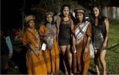 Bộ lạc duy nhất không có đàn ông. Phụ nữ sinh sản theo cách này, bỏ con trai và chỉ để lại con gái