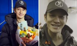 Fans xót xa khi thấy Huỳnh Hiểu Minh 'gầy như xác ve', mặt mũi vàng vọt trong ngày đóng máy phim mới