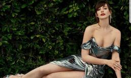 'Yêu nữ thích hàng hiệu' Anne Hathaway đẹp nức nở, quyến rũ khó cưỡng ở tuổi 38