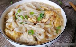 Tô mì gạo nấu trứng này hợp ăn sáng mùa đông, mùi thơm ngào ngạt, ăn nước lèo ngon ngọt ấm bụng