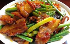 Khi làm món thịt ba chỉ xào ngồng tỏi, bạn đừng quên cho 'nguyên liệu này', nếu không thịt ba chỉ sẽ không thơm và ngồng tỏi cũng không được xanh!