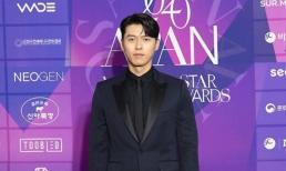 Hyun Bin điển trai ngời ngời trên thảm đỏ lễ trao giải APAN Star Awards nhưng không sánh đôi với Son Ye Jin