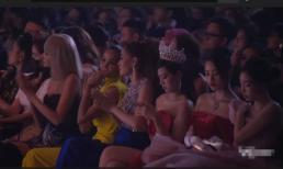 3 hoa hậu Đỗ Thị Hà - Trần Tiểu Vy -  Đỗ Mỹ Linh bị chỉ trích vì ý thức dùng điện thoại sai thời điểm tại sự kiện