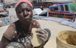 Ở quốc đảo Caribe nhỏ bé này, người dân nghèo đến mức chỉ có thể ăn đất và thậm chí không biết ăn cơm là như thế nào