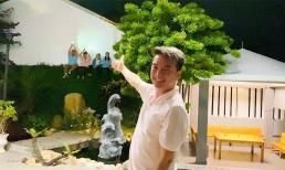 Đang hát chơi với bạn bè, Đàm Vĩnh Hưng bất ngờ khi fan 'leo tường' ngồi xem