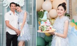 Á hậu Thanh Tú khoe nhan sắc 'gái một con trông mòn con mắt' trong tiệc sinh nhật quý tử