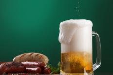 Mùa hè uống một chai bia mỗi ngày có hại cho sức khỏe không? 4 điều cần hiểu rõ khi uống bia