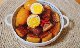 Nấu thịt kho trứng nên dùng nước sôi hay nước lạnh, lý do vì sao?