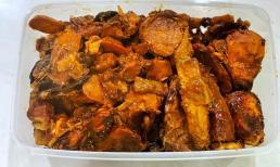 Cho thêm một nguyên liệu này khi nấu cá kho thịt, đảm bảo cá có màu sắc đẹp lại hết tanh