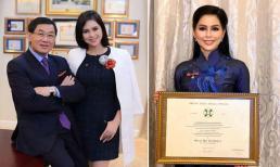 Đại diện tập đoàn của gia đình nhận tước hiệu Hiệp sĩ do Tổng thống Cộng hòa Italy trao tặng, nhan sắc của mẹ chồng Hà Tăng gây sốt