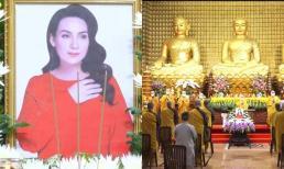 Xót xa di ảnh của Phi Nhung tại Lễ tưởng niệm và cầu siêu tại chùa, sư phụ tiết lộ lí do cố ca sĩ không tiêm vaccine