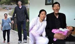 Cãi lời bác sĩ, người đàn ông cao nhất thế giới một thời quyết sinh con với vợ, nhìn hoàn cảnh hiện tại của cháu bé khiến nhiều người lo lắng