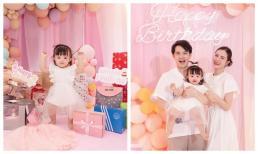 Con gái của Đông Nhi và Ông Cao Thắng tiếp tục được tổ chức sinh nhật hoành tráng tại nhà ngoại và nhận cả 'núi' quà