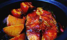 Cách kho cá ngon: Ngoài thịt ba chỉ, cho thêm loại củ này vừa bùi ngậy lại cực đưa cơm