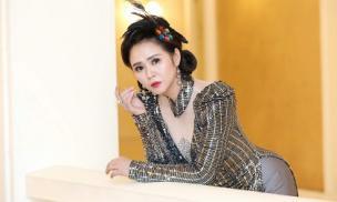 Nữ hoàng hoa hồng Bùi Thanh Hương giới thiệu BST áo dài tôn vinh nữ quyền
