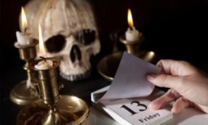 Những lời nguyền ám ảnh về thứ 6 ngày 13 gieo rắc nỗi sợ hãi