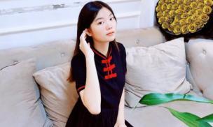 Lộ ảnh con gái xinh như Hoa hậu của Bầu Hòa cùng bố trang trí nhà đón Xuân