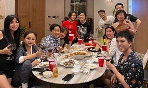 Hội bạn thân nổi tiếng của Trấn Thành tụ hội mừng năm mới thay vì tất bật chạy show