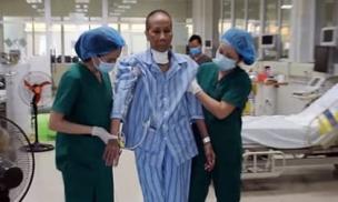 6 lần xét nghiệm âm tính, bác gái bệnh nhân 17 được công bố khỏi Covid-19