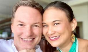 Vợ mới của chồng cũ Hồng Nhung đăng ảnh hạnh phúc kỷ niệm 24 năm ngày hẹn hò đầu tiên