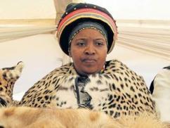 Nữ hoàng vương quốc ở Nam Phi qua đời vì Covid