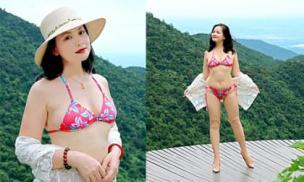 NSND Thu Quế táo bạo khi diện bikini hai mảnh ở độ tuổi U50