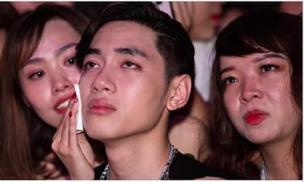 K-ICM bật khóc nức nở khi đọc lại bình luận miệt thị của anti-fan