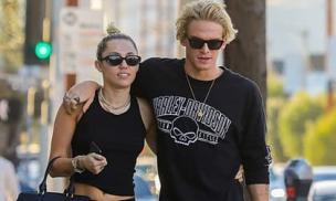 Miley Cyrus chia tay bạn trai sau 10 tháng hẹn hò